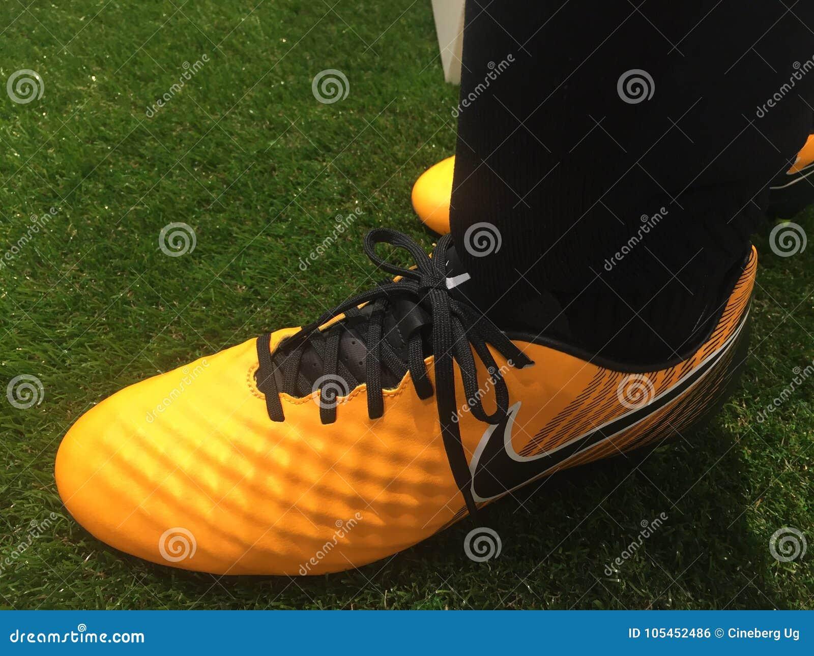 Nike Fotografia Scarpe Da Di Immagine Editoriale Calcio Vendere 6wEXq
