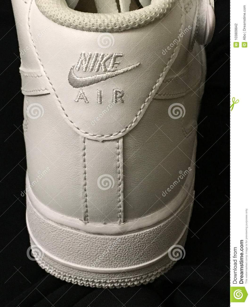 Scarpe Di Nike Air Force One Fotografia Editoriale