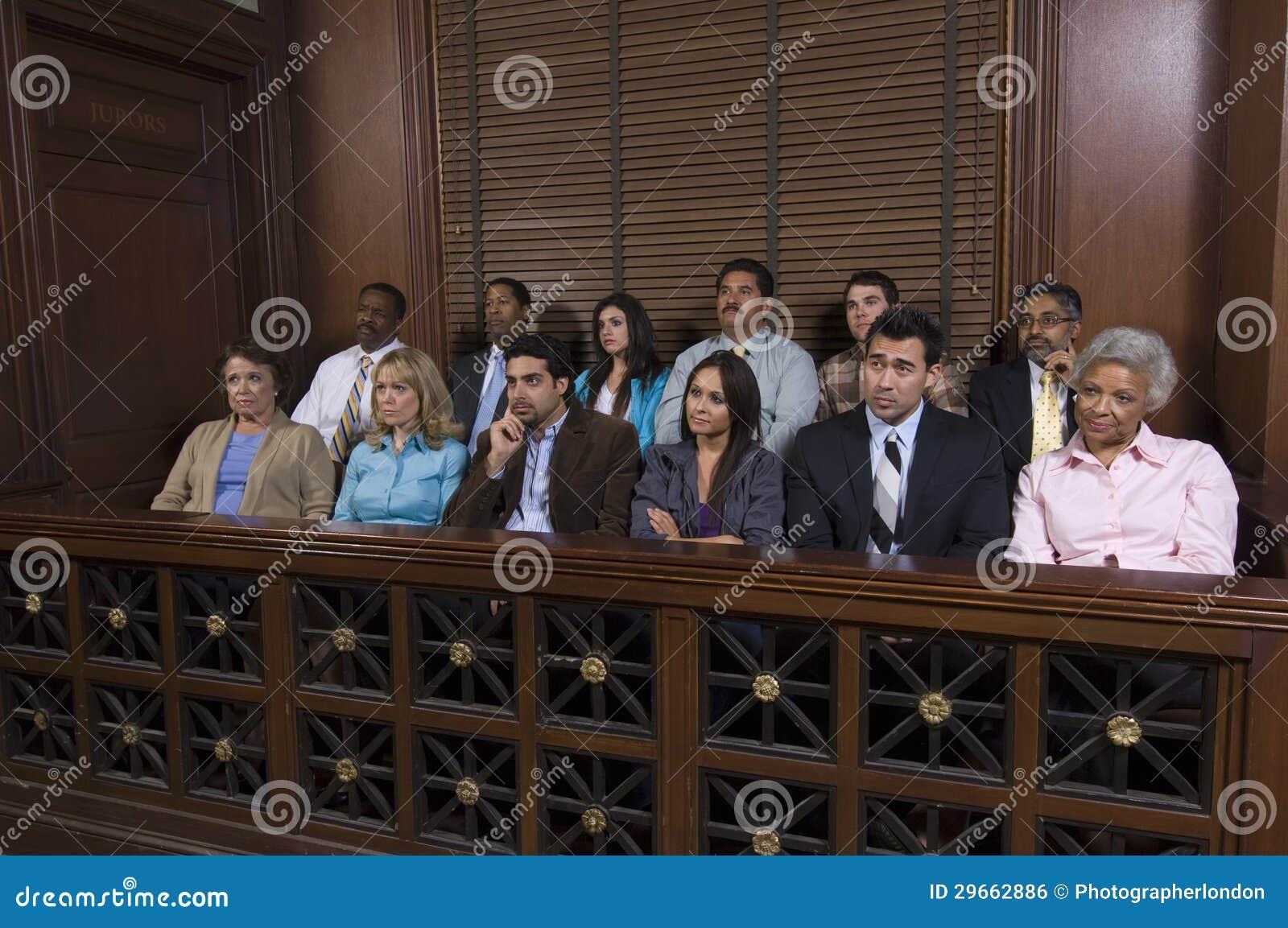 Scatola di giuria in aula di tribunale