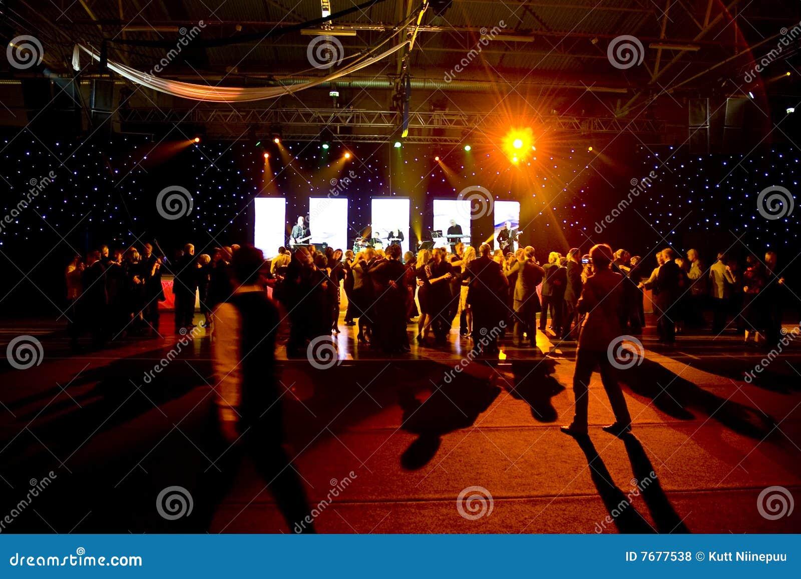 Scen dancingowi ludzie