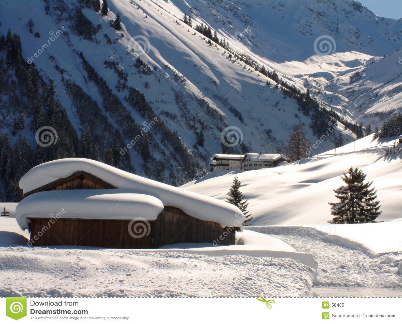 Scena alpina austriaca di inverno