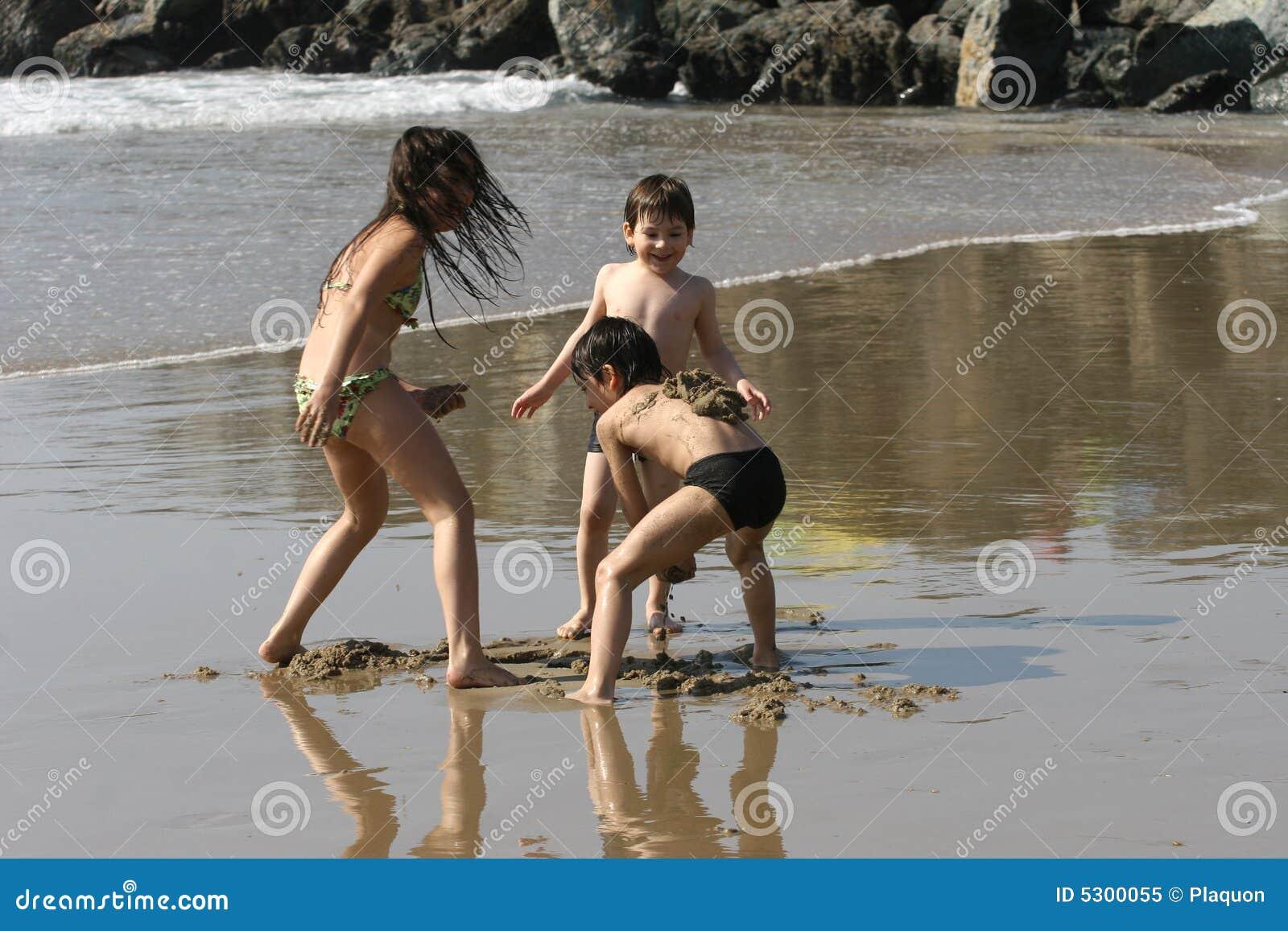 Download Scena della spiaggia immagine stock. Immagine di eccitamento - 5300055