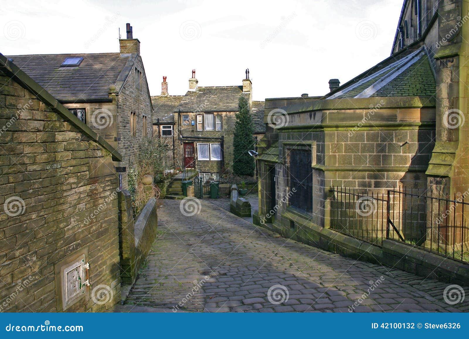 Scena della via di haworth west yorkshire inghilterra for Nuovi piani casa in inghilterra
