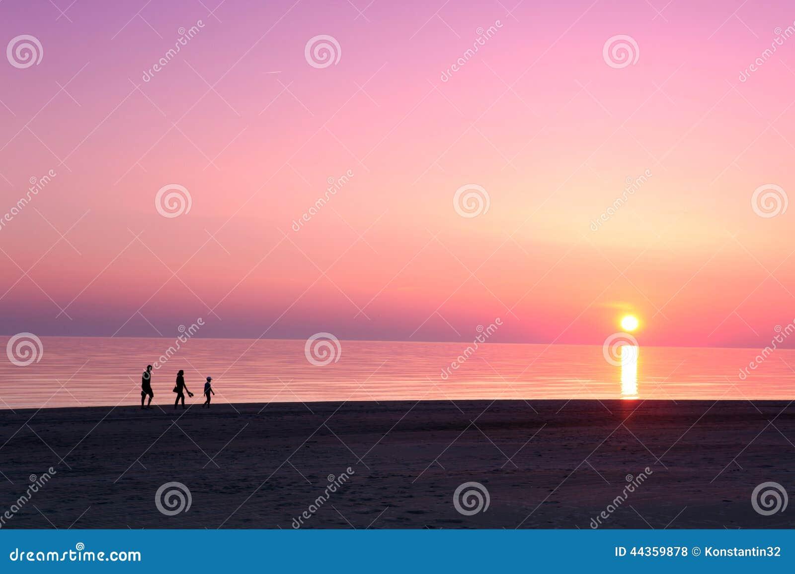 Scena dello scape del mare tramonto nell oceano, oceano della spiaggia