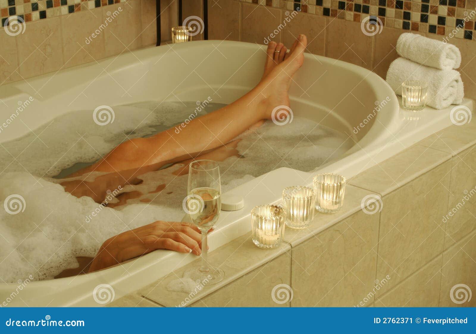Scena Di Distensione Della Vasca Da Bagno Immagine Stock Immagine Di Fisico Contemplazione 2762371