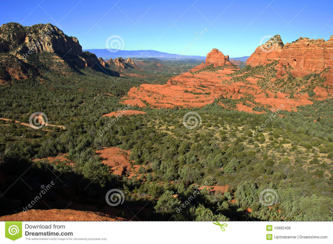 Scenic red stone landscape of sedona in arizona royalty for Red stone landscape rock