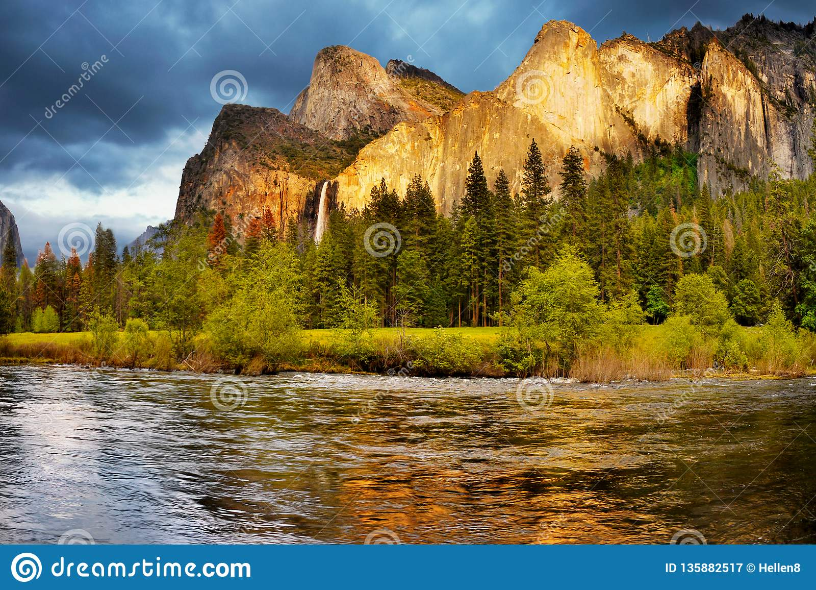 Yosemite Valley Mountains Falls, US National Parks