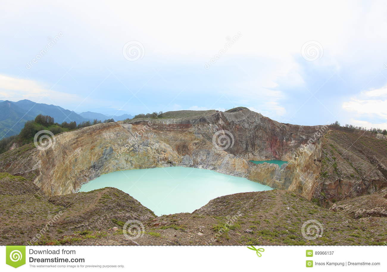 Scenic Three Colored Lakes Kelimutu, Ende