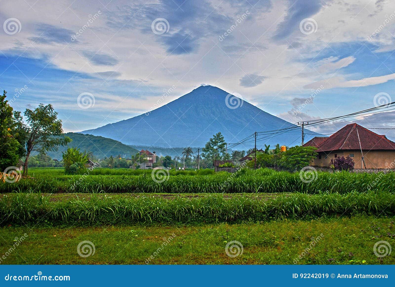 Asian Mountains - Route Descriptions - Gunung Agung, Bali trekking ...