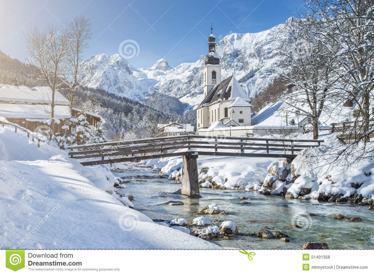 Scenic winter landscape with pilgrimage church in the alps for Sfondi desktop inverno montagna