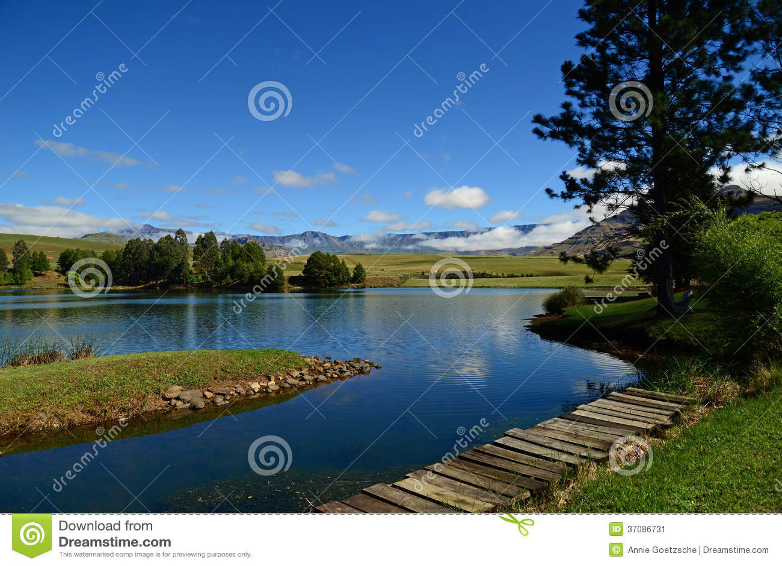 Download Sceniczny widok górski obraz stock. Obraz złożonej z wakacje - 37086731