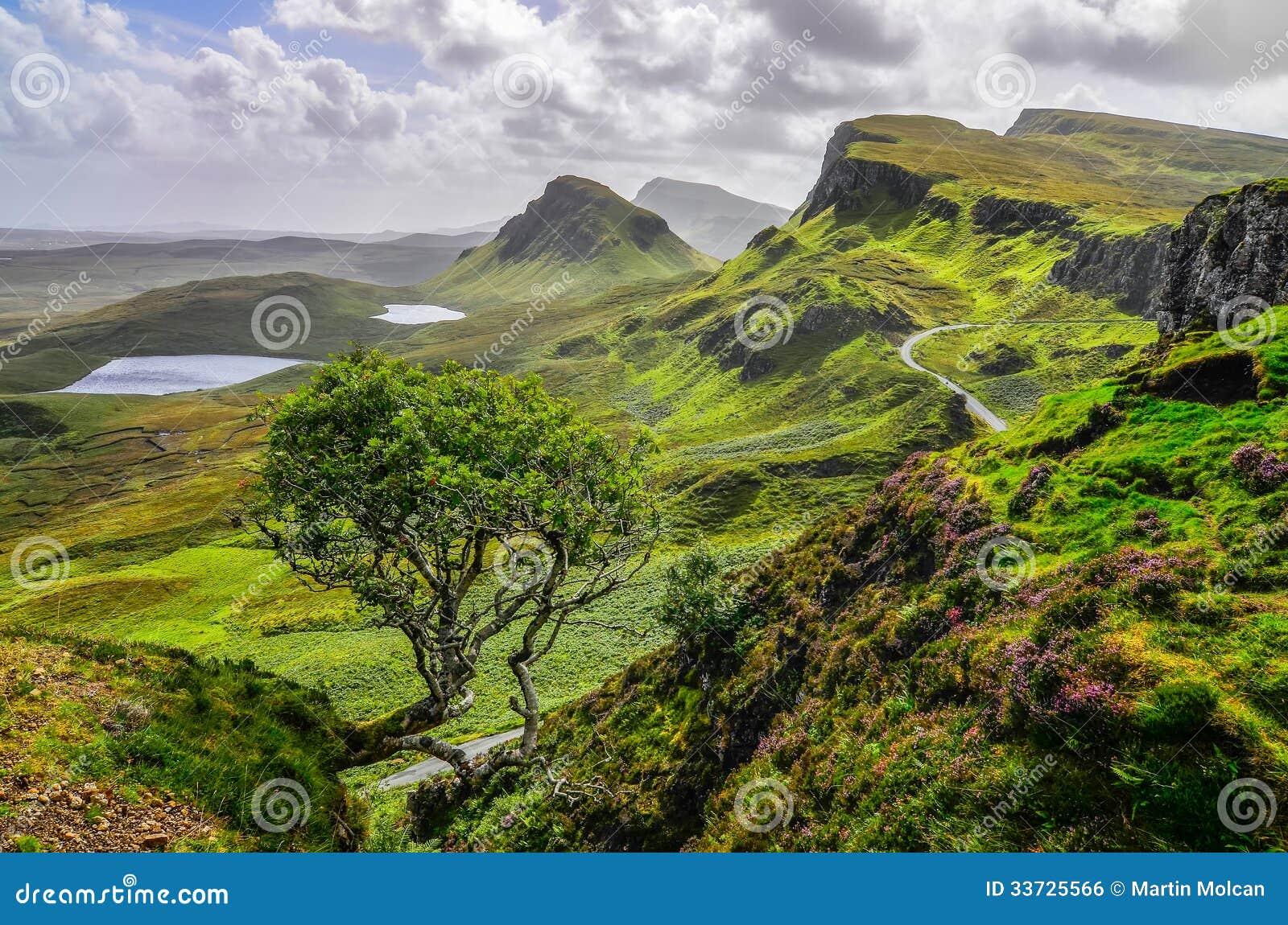 Sceniczny widok Quiraing góry w wyspie Skye, Szkocka wysokość