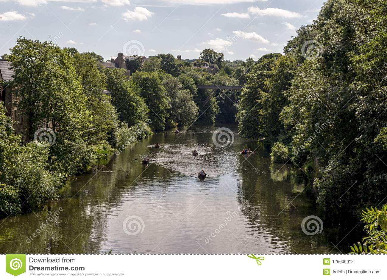 Scenisk sikt av kläderfloden i Durham, Förenade kungariket