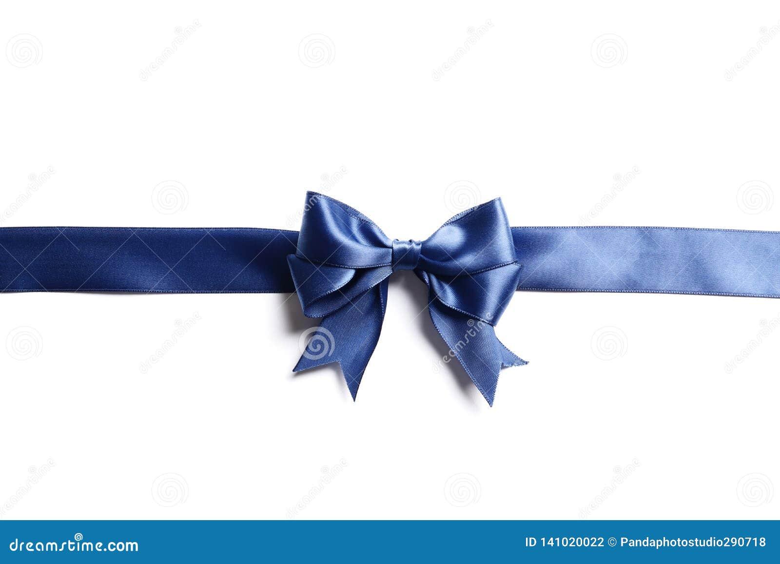 Schöner blauer Bogen und Band lokalisiert auf weißem Hintergrund