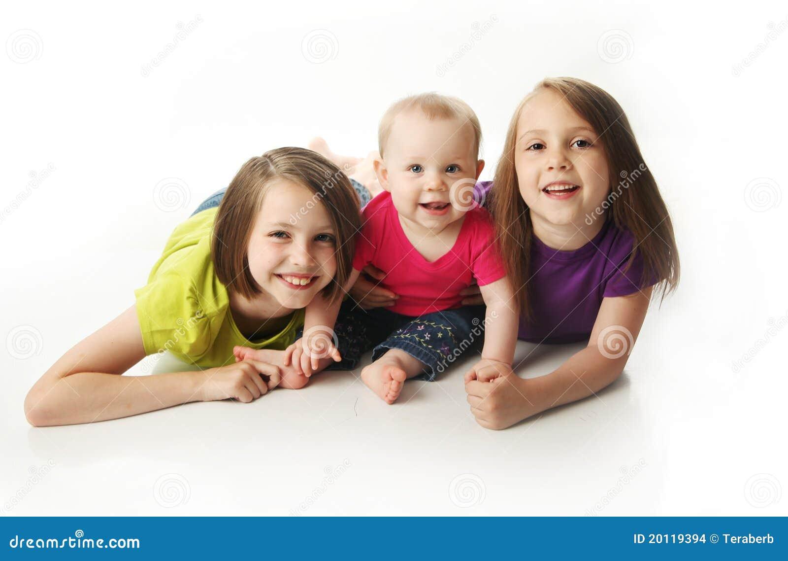 Schätzchenschwester und zwei große Schwestern