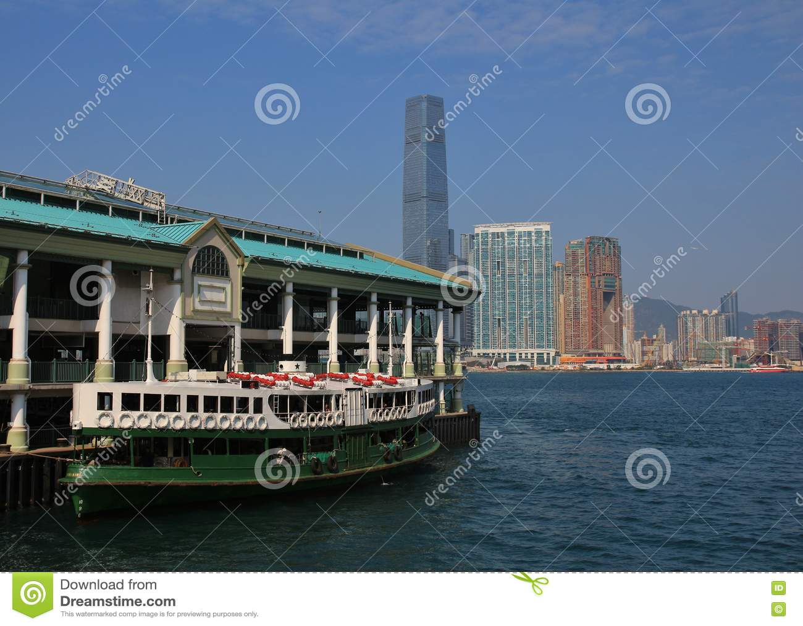 Schöne alte Fähre in Hong Kong