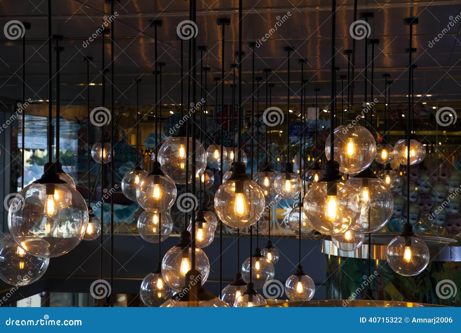Schöne Beleuchtung stockfoto. Bild von dekoration, architektur ...