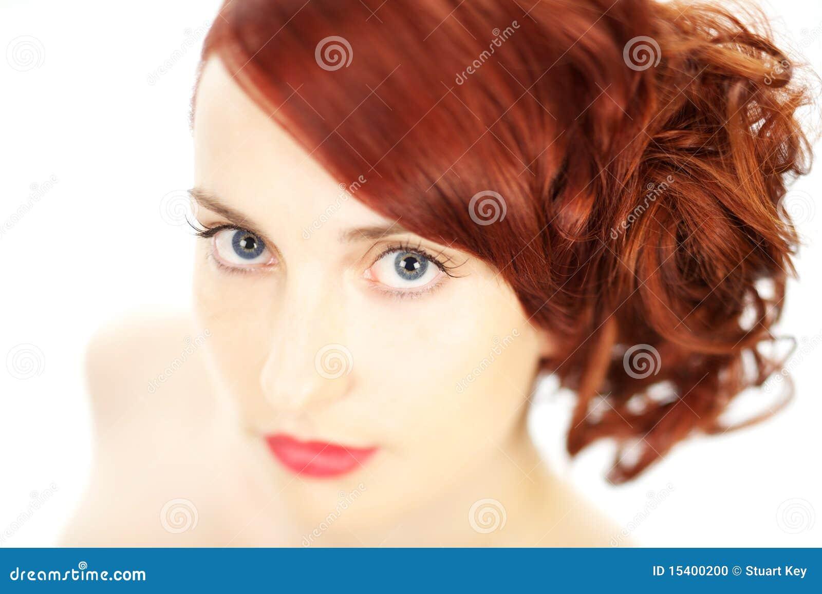 Schöne Frau des roten Haares