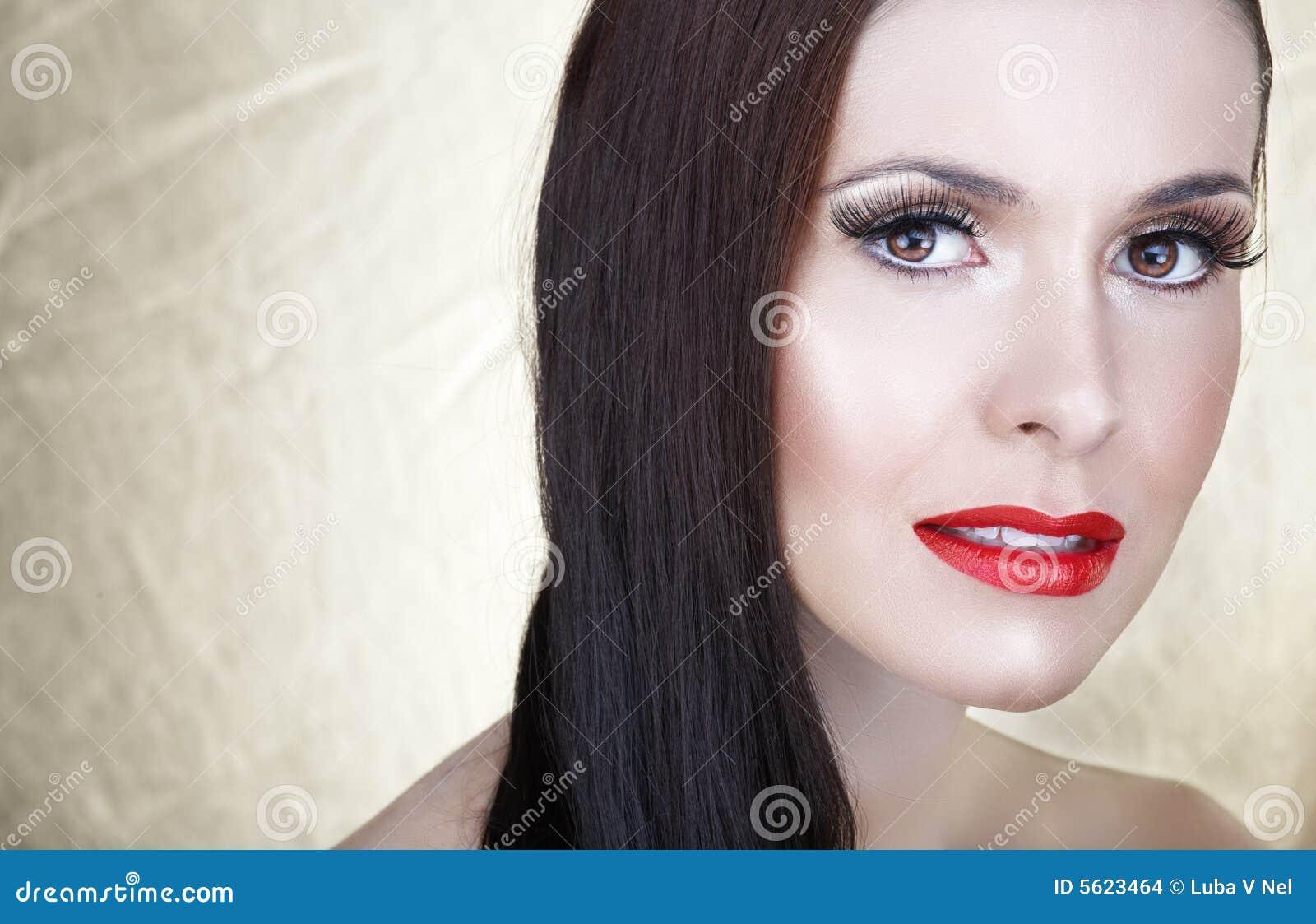 sch ne frau mit den roten lippen stockbilder bild 5623464. Black Bedroom Furniture Sets. Home Design Ideas