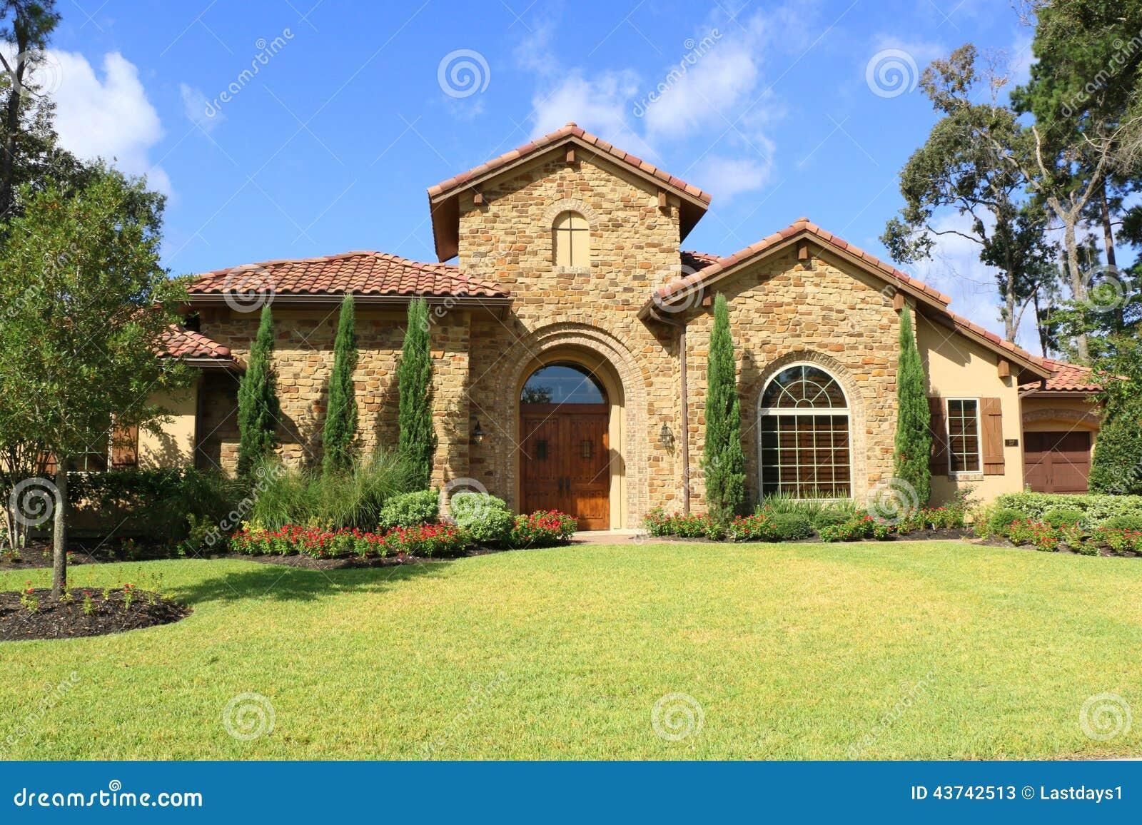 sch ne h user stockbild bild von himmel hypothek villa 43742513. Black Bedroom Furniture Sets. Home Design Ideas