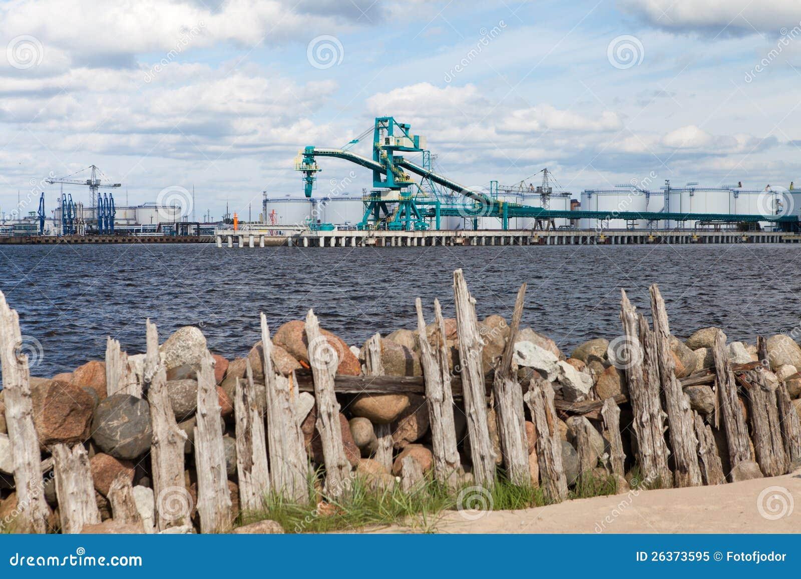 Schöne Hafenansicht