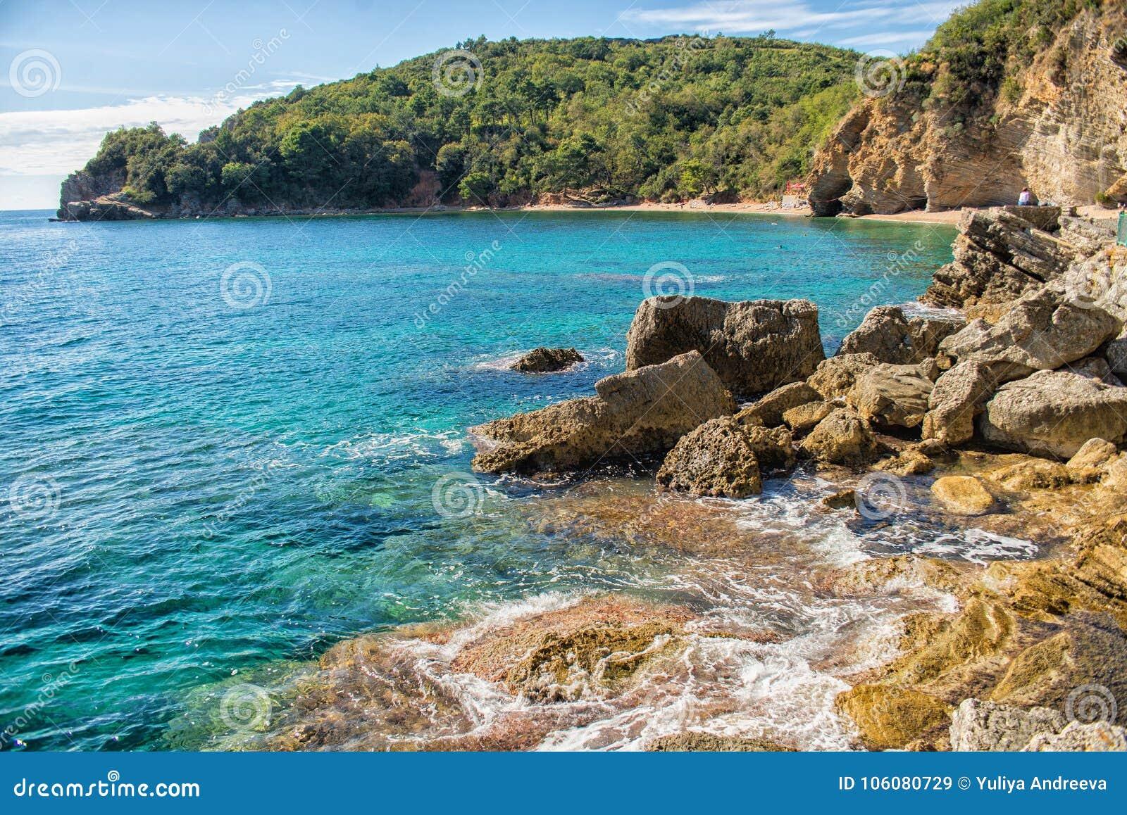Schöne Küstenansicht, adriatisches Meer, Montenegro