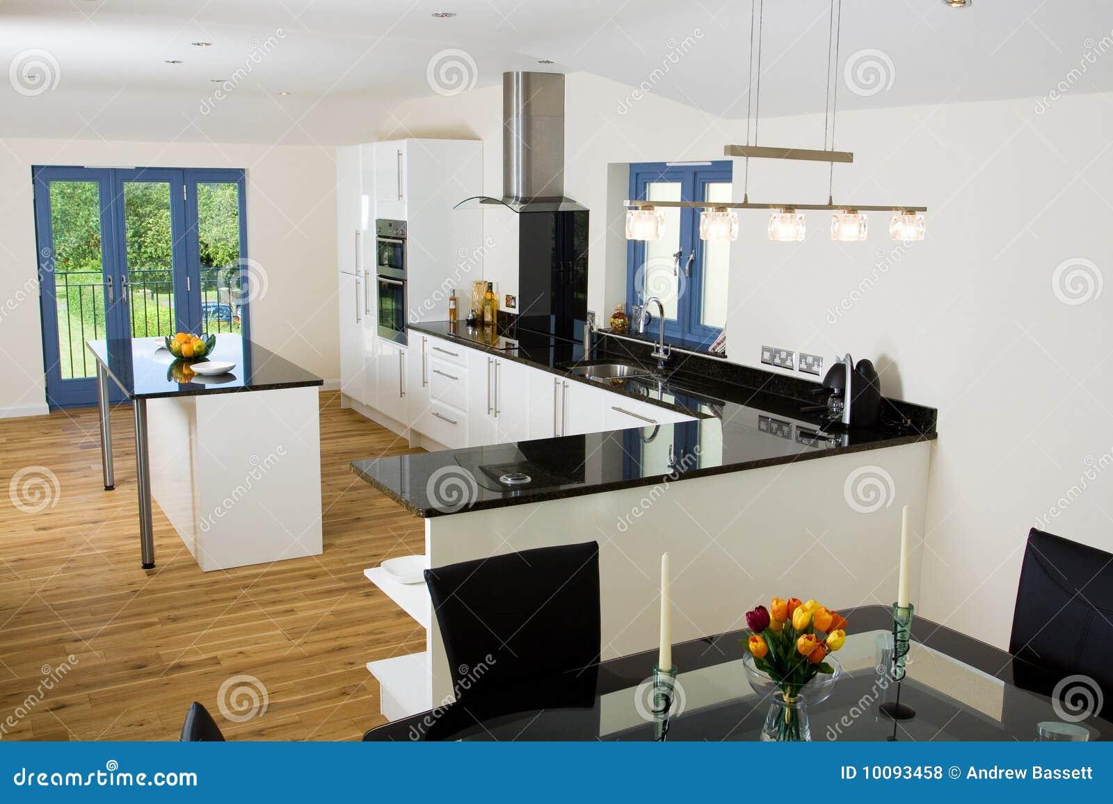Schone Moderne Kuche Stockfoto Bild Von Geoffnet Bereich 10093458