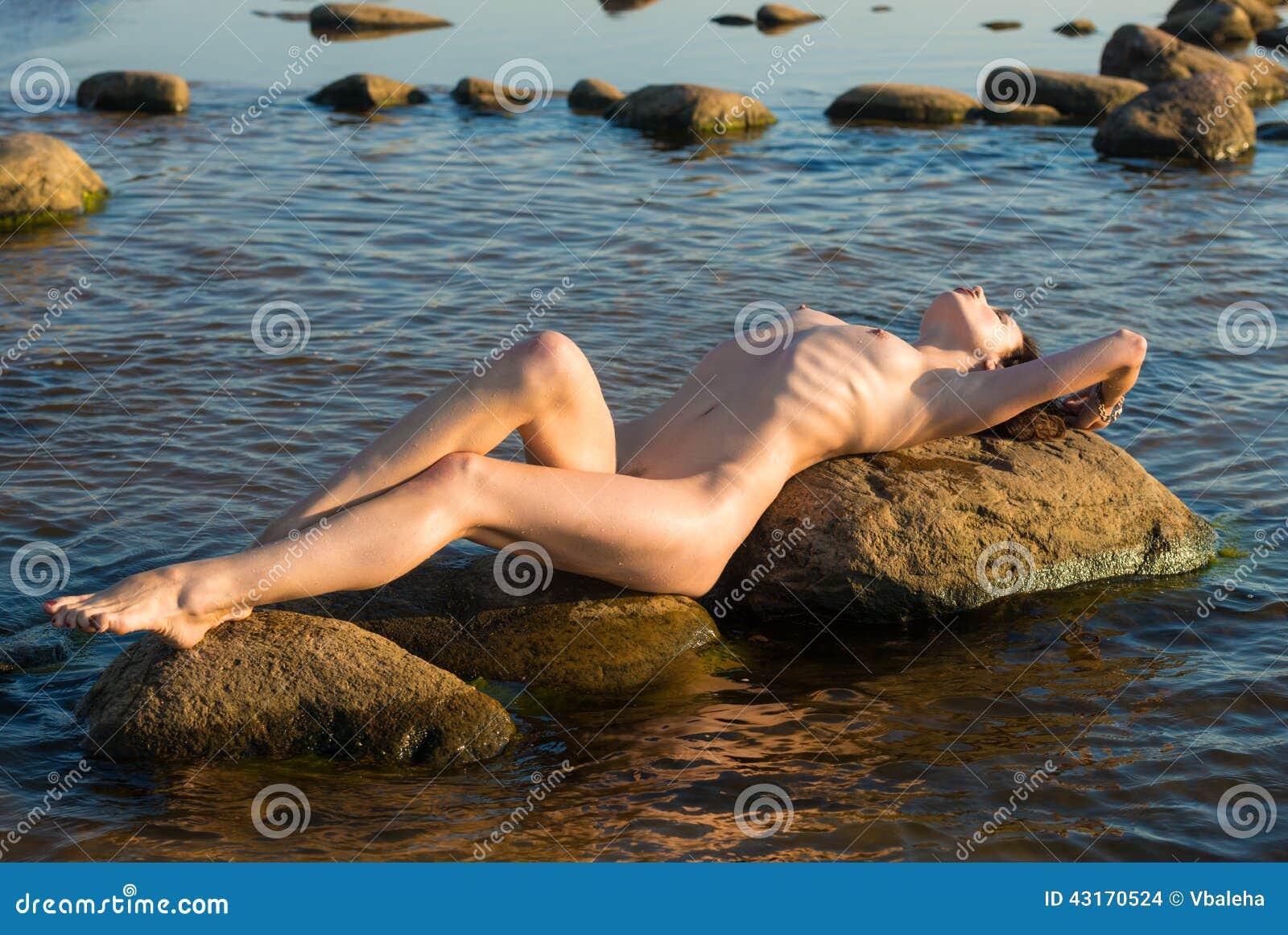 nackte frau strand