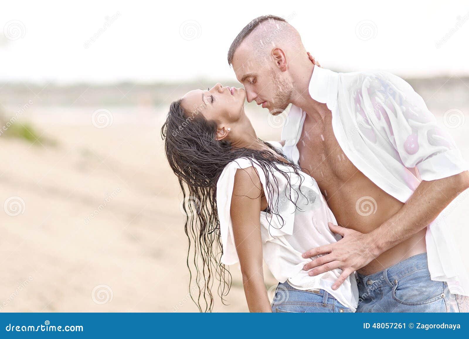 Romantik Paare in heissen Sexfilmen & Erotik XXX Videos