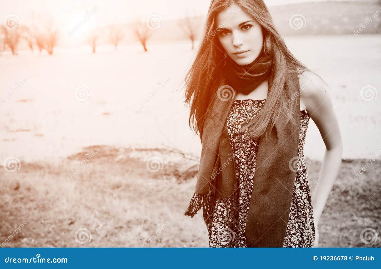 Schöne reizvolle Frau