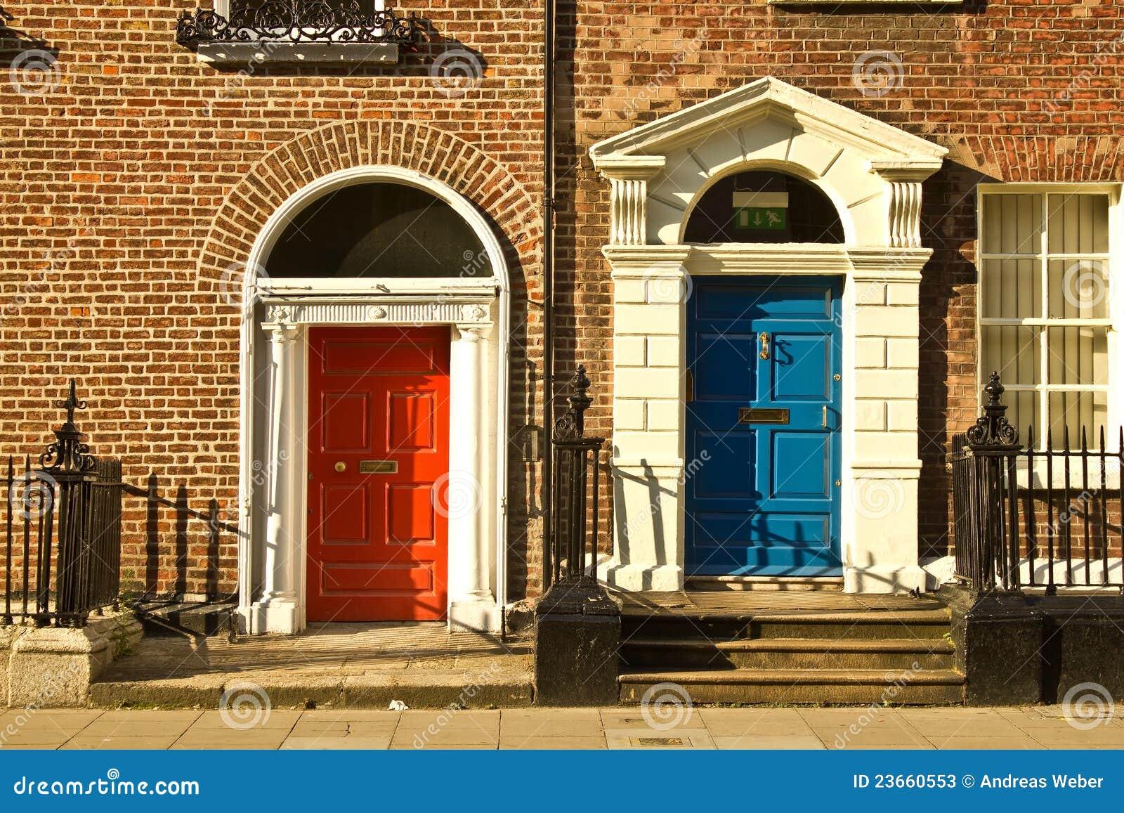 Schöne türen  Schöne Türen In Dublin Stockfotos - Bild: 23660553