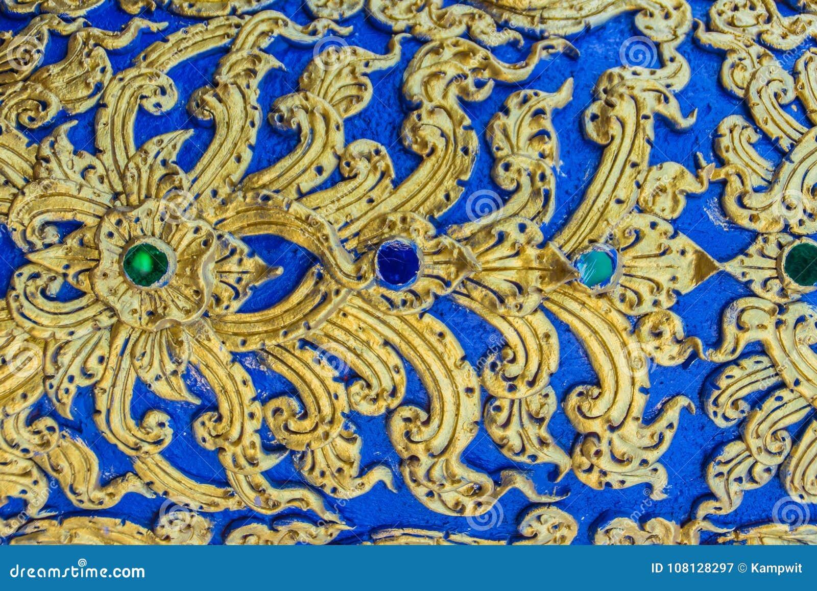 Schöne Wand- Und Deckenmalereien Im Thailändischen Muster Der ...