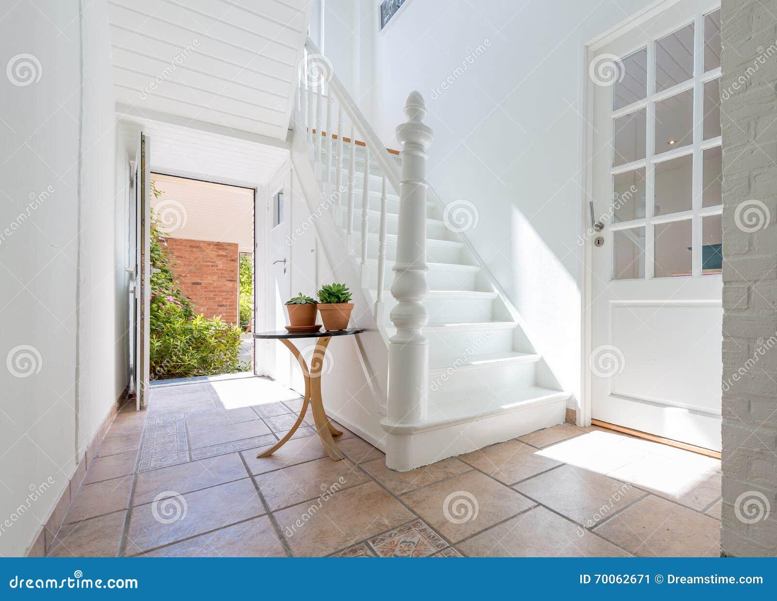Schone Weisse Treppe Stockbild Bild Von Innen Treppen 70062671
