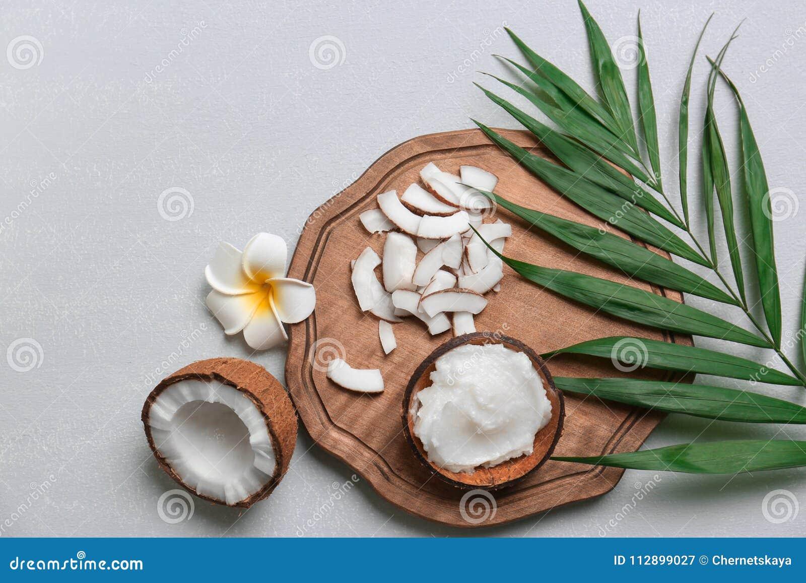 Schöne Zusammensetzung mit Kokosnussöl und Nüssen