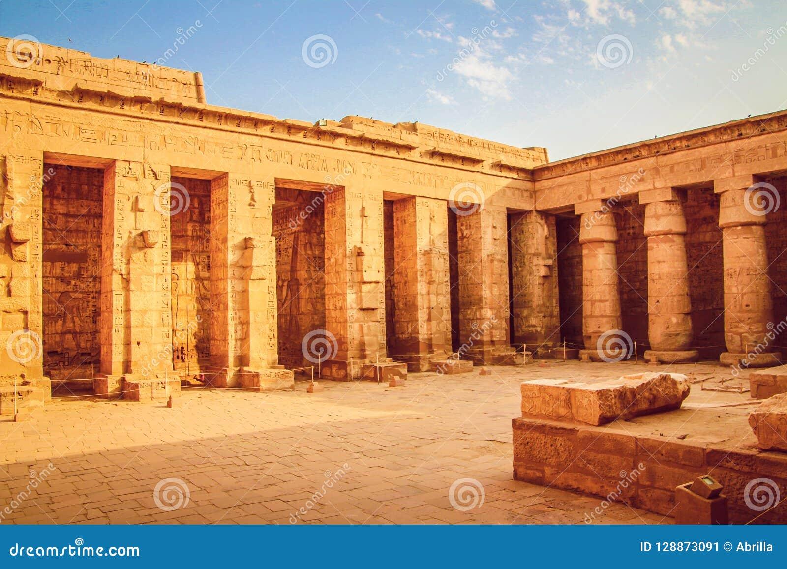 Schöner alter Tempel von Medina-Habu Ägypten, Luxor