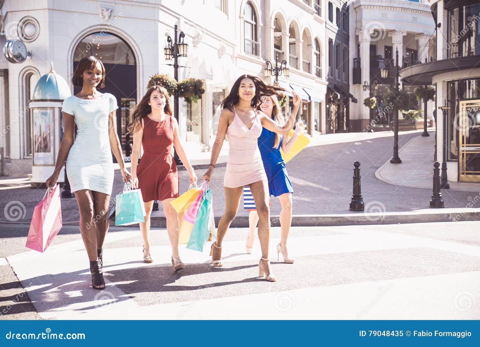 Schöner Fraueneinkauf