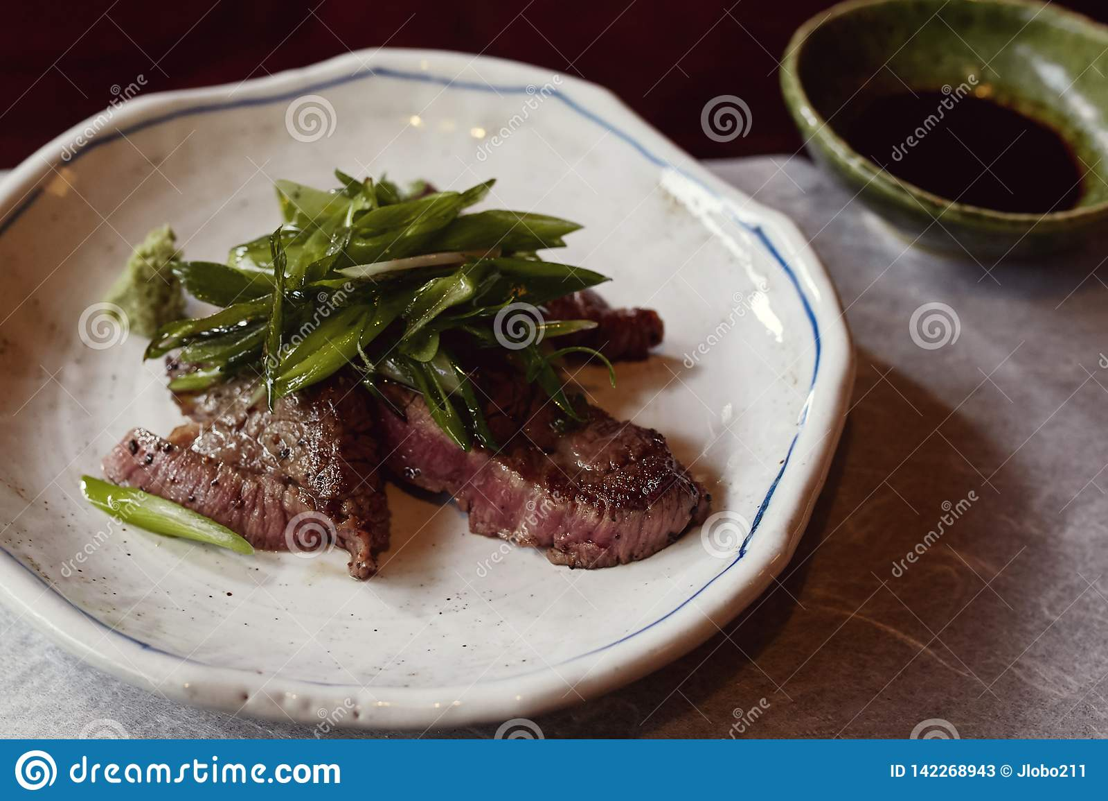 Schöner Kaiseki-Rindfleischkurs in Japan