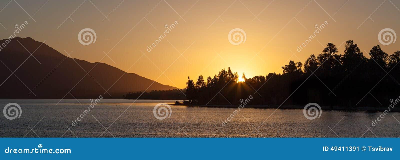 Download Schöner See Brunner Bei Sonnenuntergang, Südinsel, Neuseeland Stockbild - Bild von serenity, ruhig: 49411391