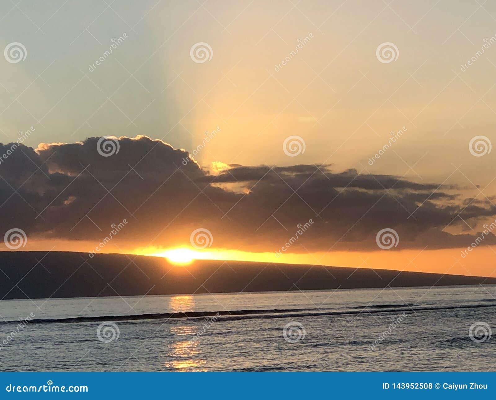 Schöner Sonnenuntergang in Maui!