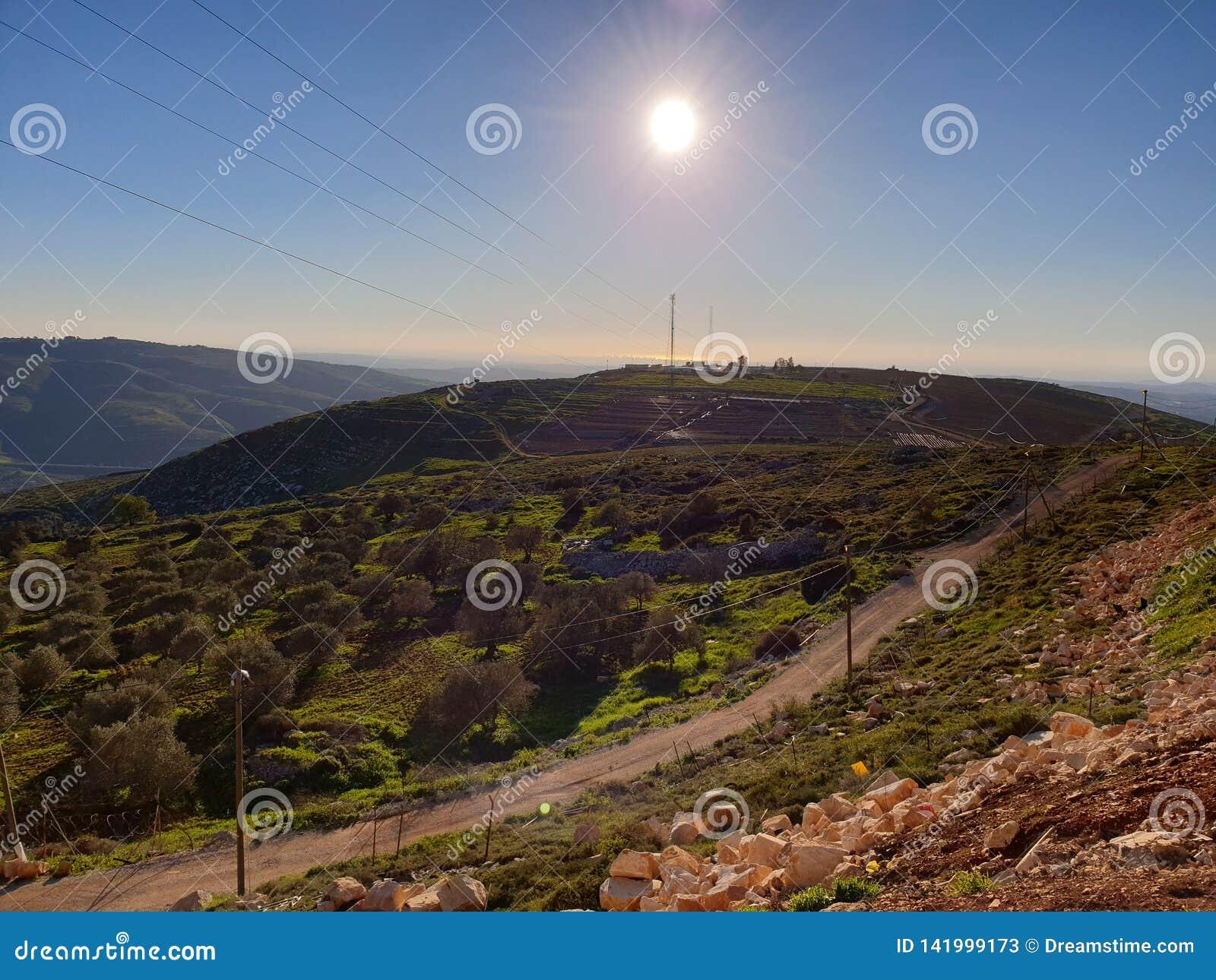 Schöner Tag an der Spitze des höchster Berg-neer der Libanon