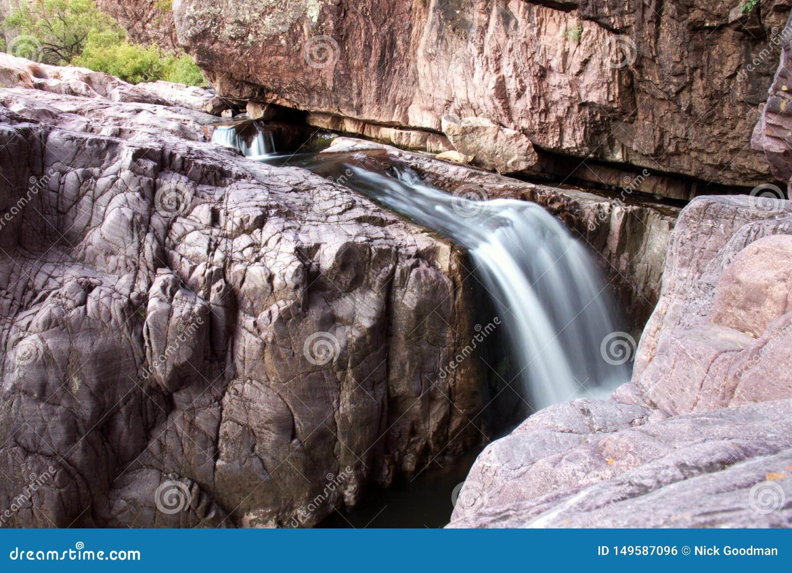 Sch?ner Wasserfall an Christopher-Nebenfluss