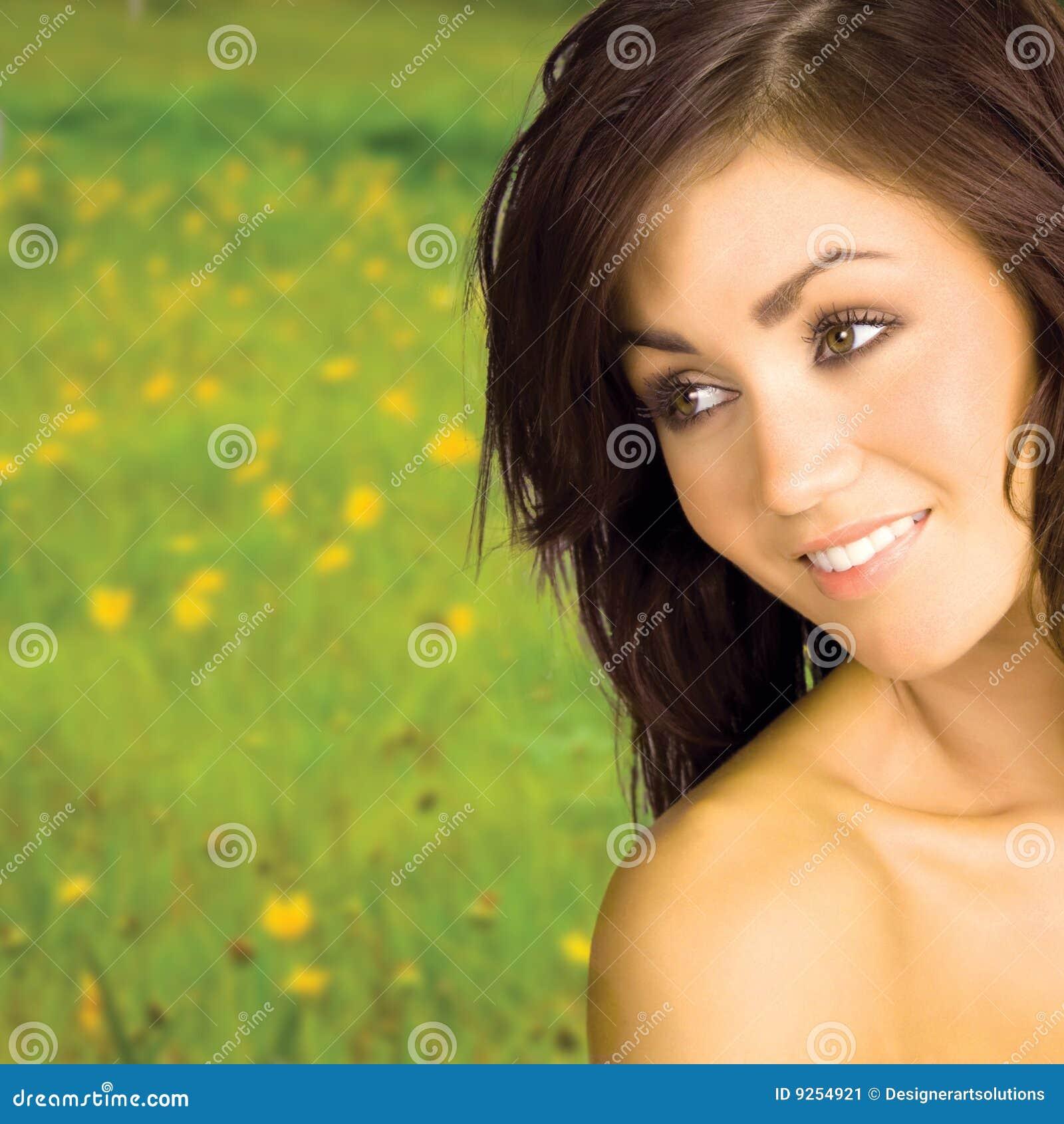 Schönes Frauenlächeln
