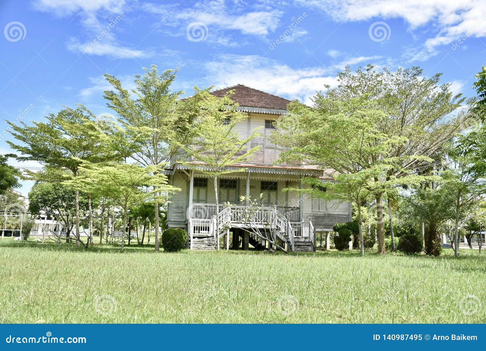 Schönes Gartenhaus in Thailand