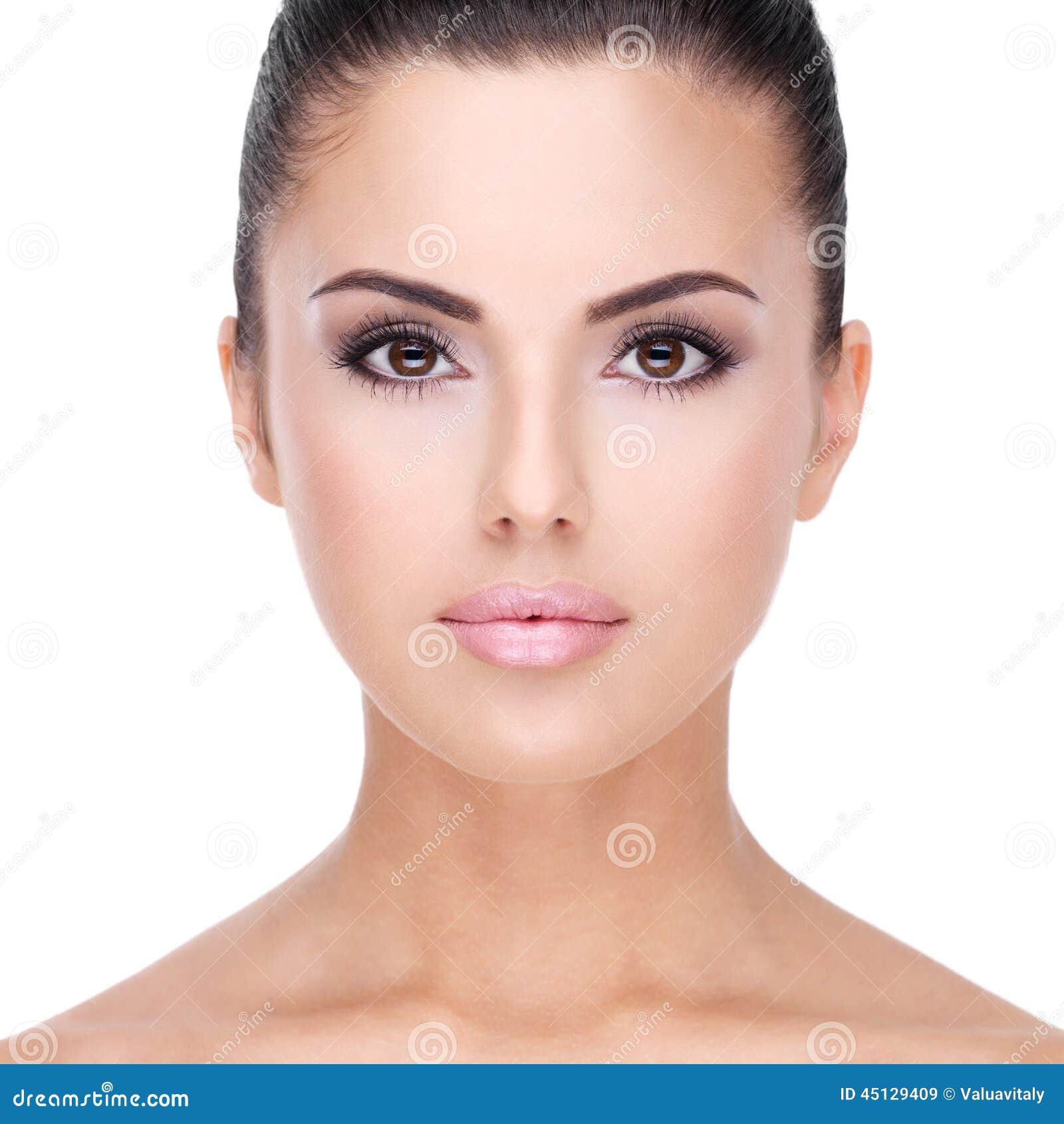 Schönes Gesicht Der Nahaufnahme Der Frau Mit Sauberer Haut
