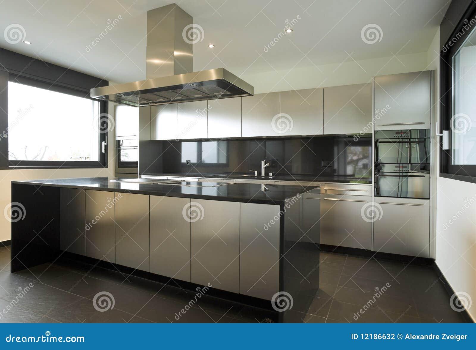 Schönes Innenhaus stockfoto. Bild von wohnung, wand, luxus - 12186632