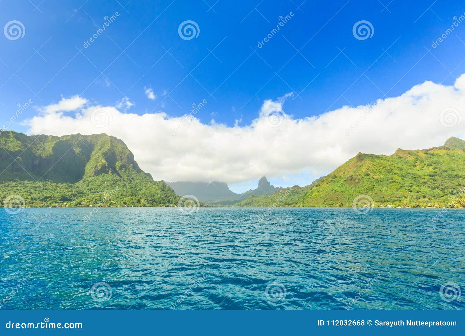 Schönes Meer und Moorae-Insel bei Tahiti, PAPEETE, FRANZÖSISCHES POLY
