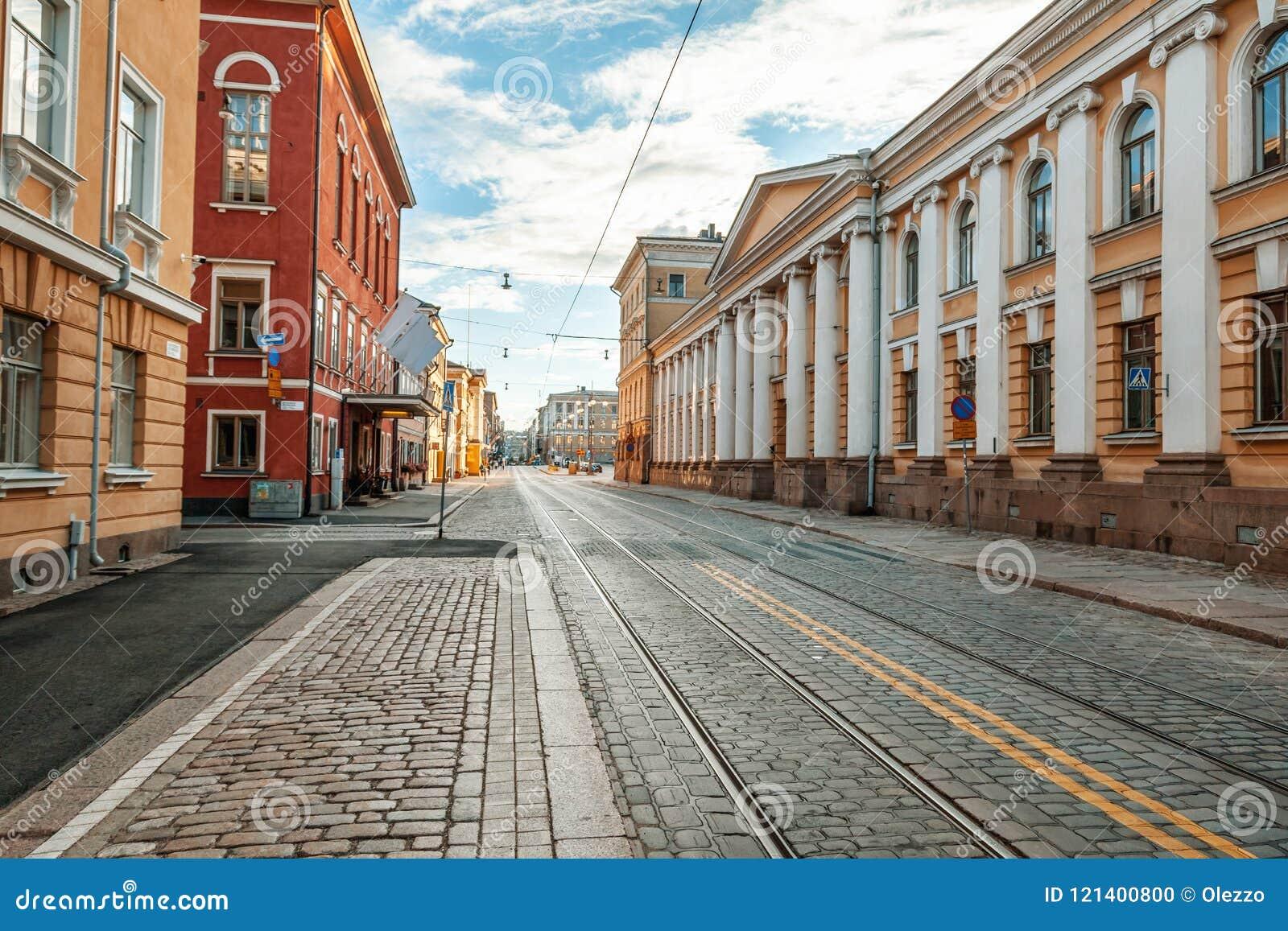 Schönes Stadtbild, Straße in der Mitte von Helsinki, das capit