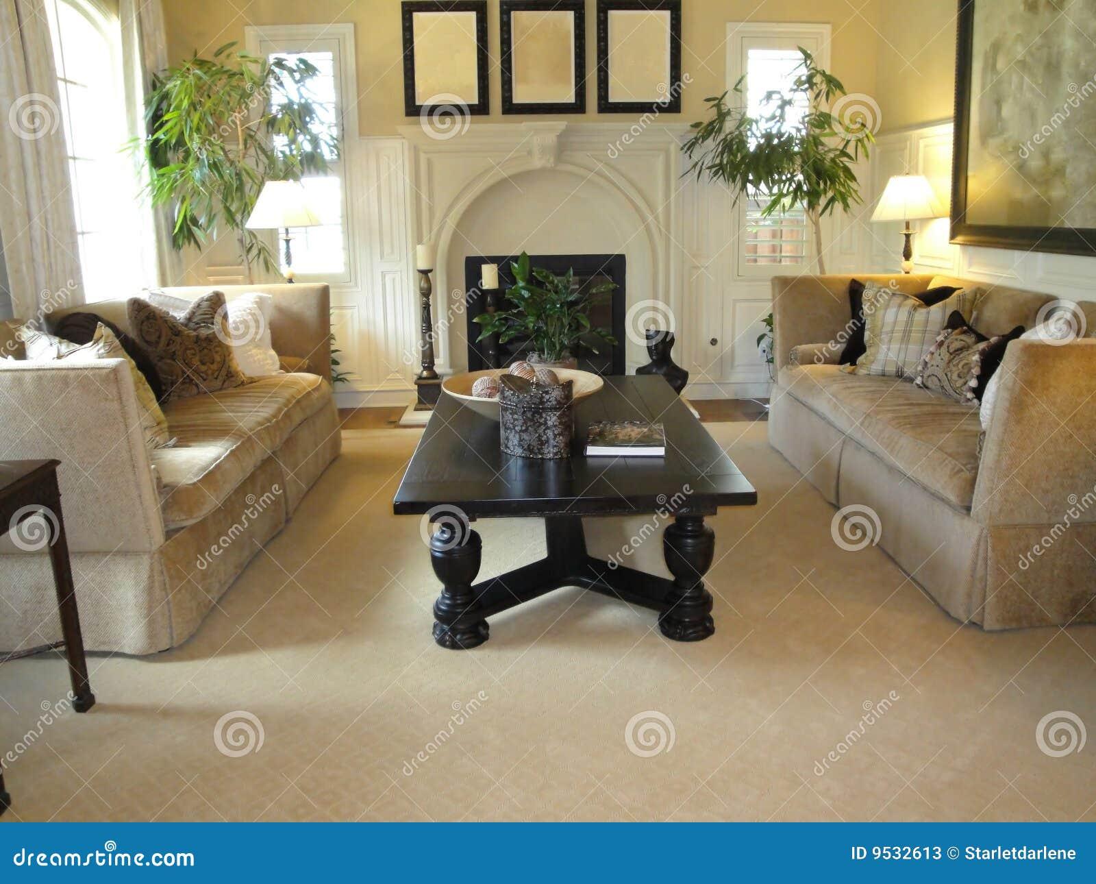 Schönes Wohnzimmer stockbild. Bild von haupt, tabelle - 9532613
