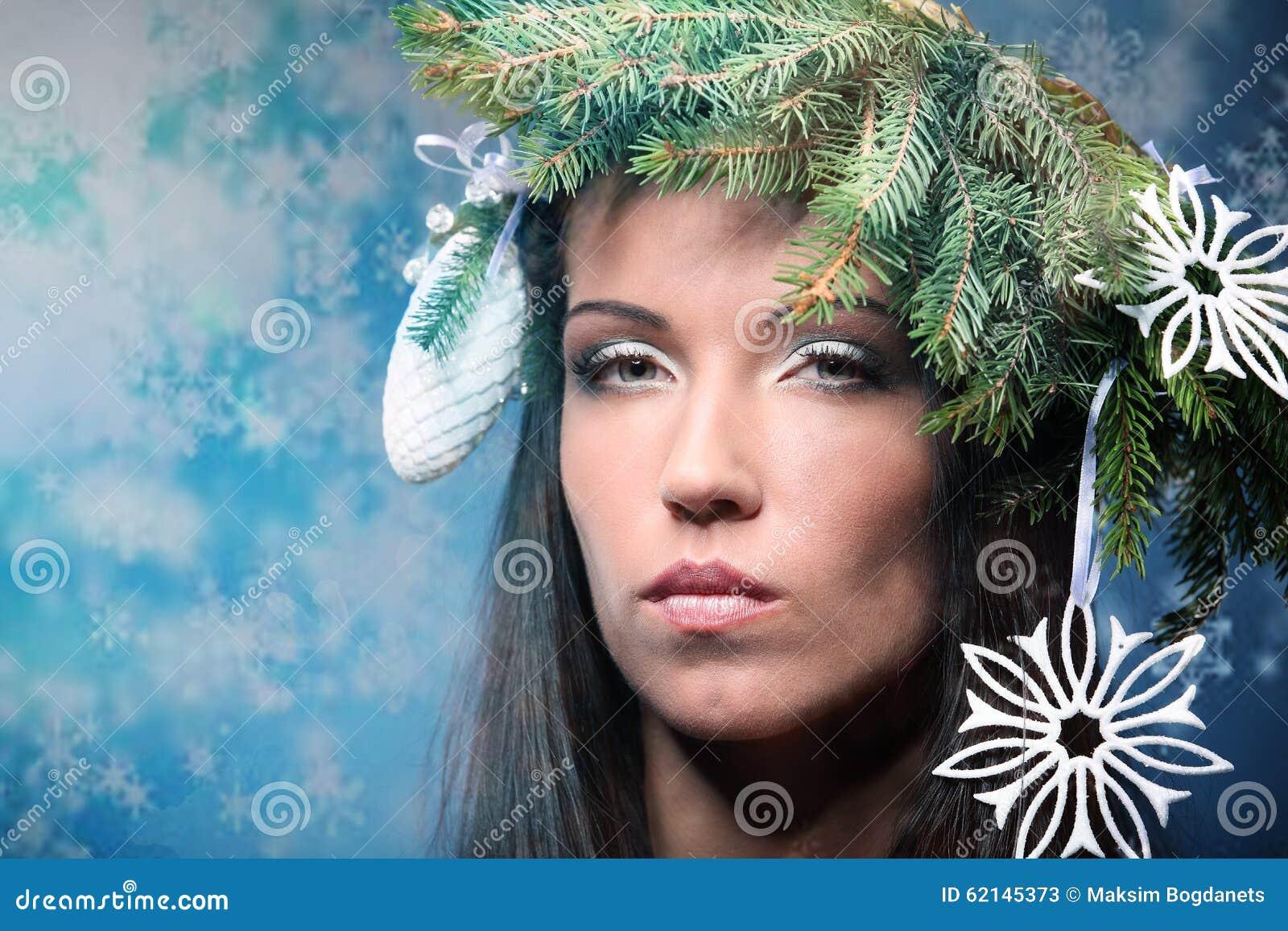 Schonheits Mode Modell Girl Mit Weihnachtsbaum Frisur Stockbild