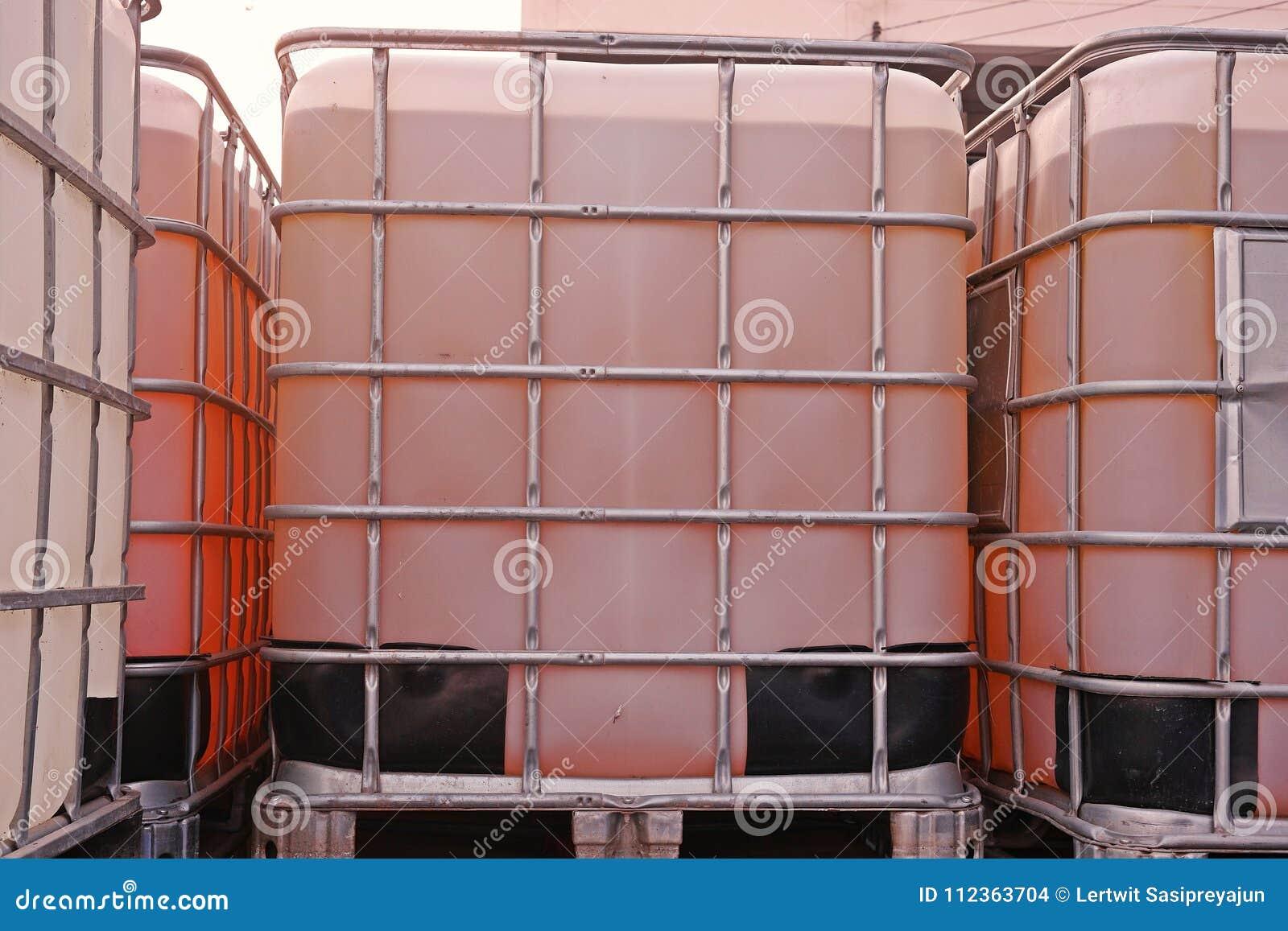 Schüttgutcontainer für flüssiges Lösungsmittel und Chemikalie